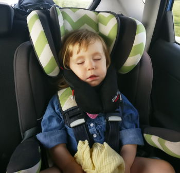 Sandini head support for children and babies sleeping in car