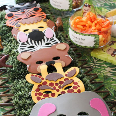 zoo first birthday party theme