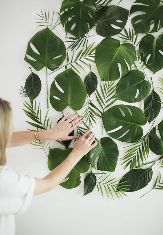 Zoo Themed Party Decor Leaves