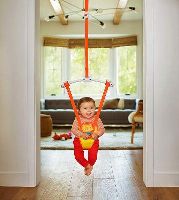Munchkin bounce and play babdy door travel bouncer