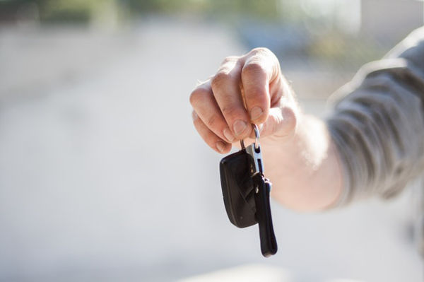 hiring family car holiday keys