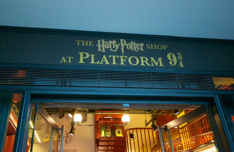 Harry Potter shop at Platform 9 34 Kings Cross