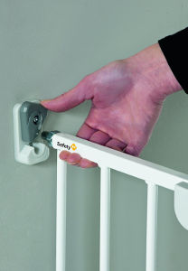 Safety 1st Wall Fix Metal Extending Gate Lock