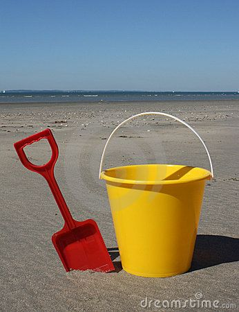 Seaside beach theme pass the bucket and spade party game