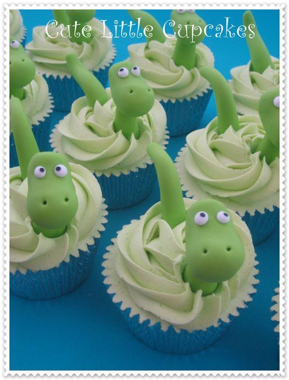 How to host dinosaur first birthday party dinosaur cupcakes