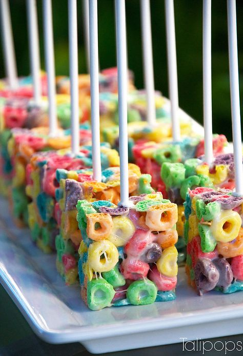 Summer party ideas unicorn crispie cake pops